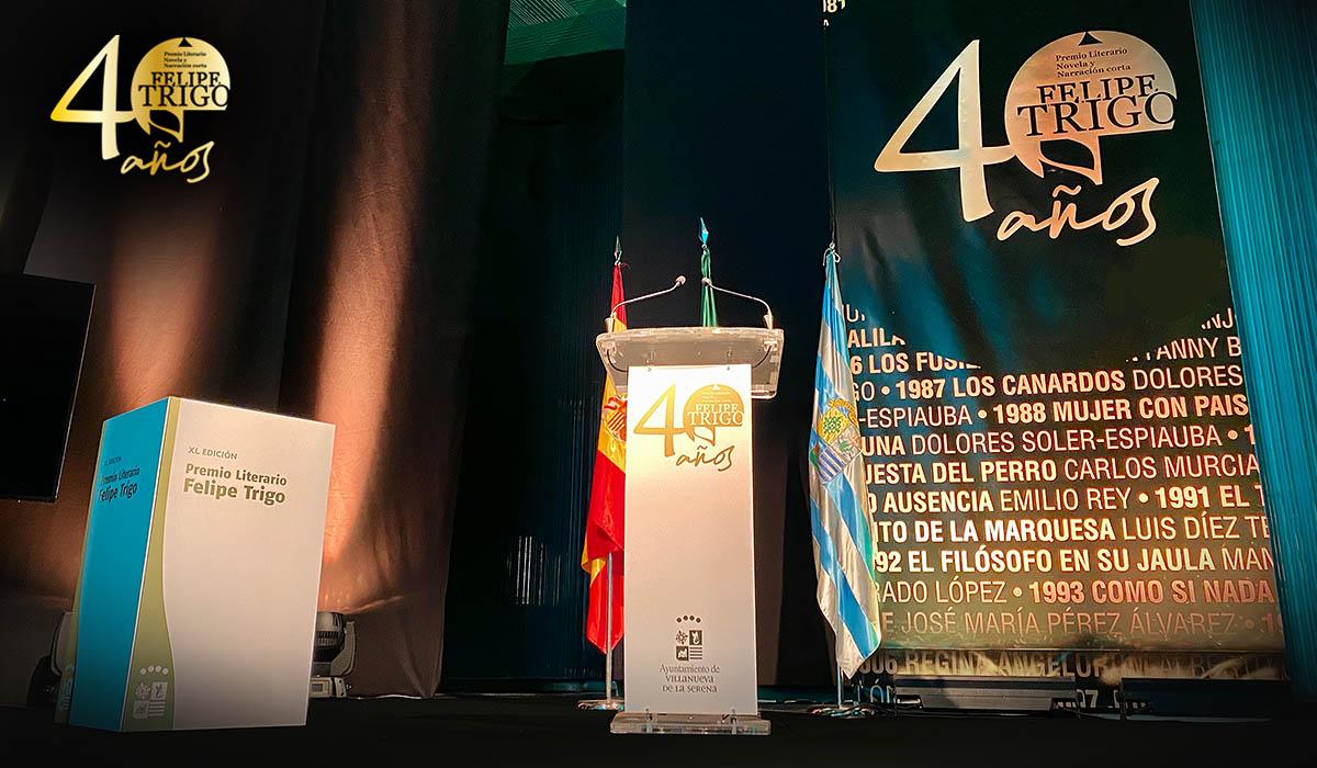 Felipe Trigo evento ceremonia entrega premio literario diseño montaje